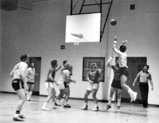basketball guys jump